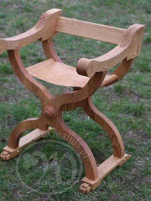 krzesło cesarza drewniane