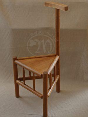 stołek z oparciem