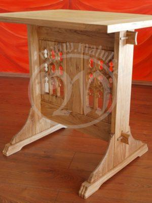mały stół średniowieczny