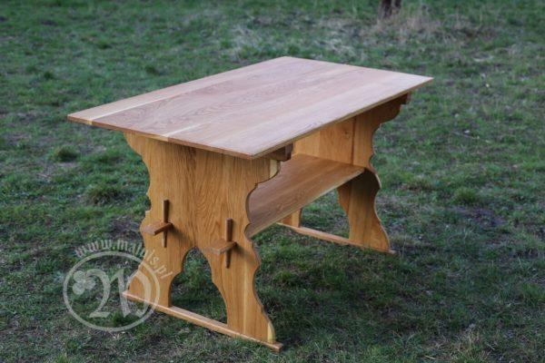 stół średniowieczny